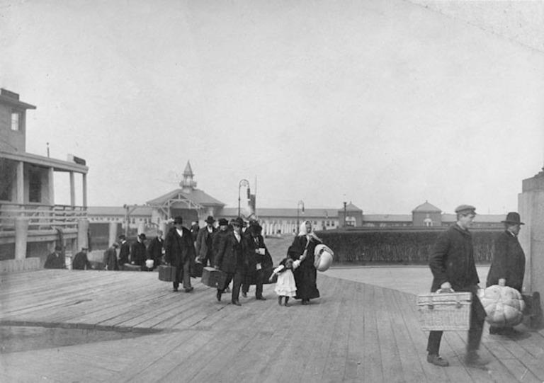 Centro de Imigração da Ellis Island é aberto em Nova York