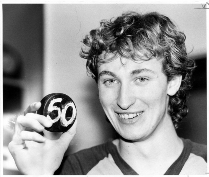 Wayne Gretzky estabelece novo recorde na NHL