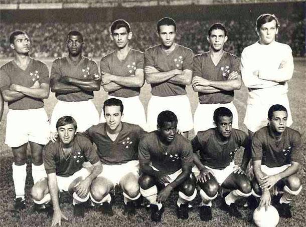 Cruzeiro põe Santos de Pelé na roda e conquista a Taça Brasil