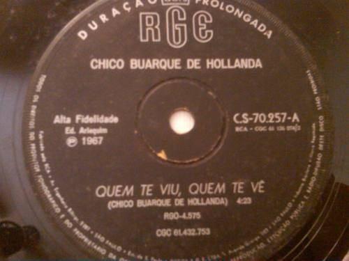 """Chico Buarque apresenta """"Quem te Viu, Quem te Vê"""""""