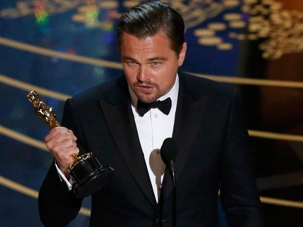 Leonardo DiCaprio recebe Oscar de Melhor Ator